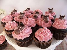 This has everything i needs: chocolat cupcakes with pink and pony toppings! Birthday Cakes Girls Kids, Horse Birthday Parties, Cool Birthday Cakes, Birthday Cupcakes, Birthday Ideas, Party Cupcakes, Birthday Recipes, 3rd Birthday, Happy Birthday