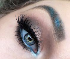 **Makeup Geek Eyeshadow Pan/Foiled Eyeshadow: Pegasus (inner corners), Mermaid (waterline, brows), Poolside (brows, inner corners), Vanilla Bean (brow bone