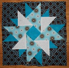 Double Aster block. Pattern on Quilter's Cache