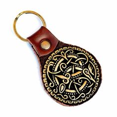 Viking Keychain - Key ring holder with fitting in the shape of the famous Pitney brooch - Available on Etsy by Pera Peris - House of History