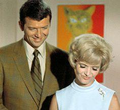 Mike and Carol Brady - The Brady Bunch Brady Family, Family Tv, Ann B Davis, Robert Reed, Tv Moms, 70s Tv Shows, The Brady Bunch, Famous Couples, Popular Shows
