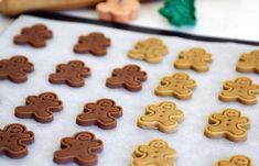 Классическое имбирное печенье - это вкус Рождественских праздников! Испечь имбирное печенье проще, чем вы думаете! Рецепт имбирных пряников с глазурью...