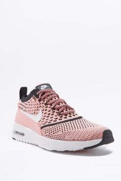 ¡Consigue este tipo de deportivas de Nike ahora! Haz clic para ver los detalles. Envíos gratis a toda España. Nike Air Max Thea Pink Mesh Trainers - Womens UK 5: Premium leather reinvention of the classic Air Max Thea trainers from Nike in a mesh outer that's undeniably cool. Equipped with sleek, low-profile uppers topped with textured ankle collars. Supported on light weight phylon soles embedded with visible Air Max technology for enhanced shock absorption. Finished with a solar sock…