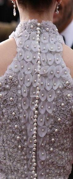 59 New Ideas Embroidery Fashion Haute Couture Texture Couture Embroidery, Embroidery Fashion, Beaded Embroidery, Embroidery Fabric, Embroidery Designs, Couture Details, Fashion Details, Textile Manipulation, Fabric Manipulation Fashion
