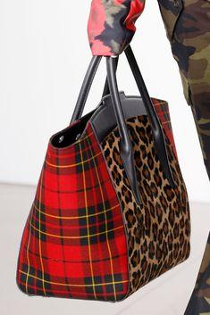pre owned medium michael kors handbags Fall Handbags, Blue Handbags, Fashion Handbags, Purses And Handbags, Fashion Bags, Womens Fashion, Fashion Trends, Fashion Fashion, Runway Fashion