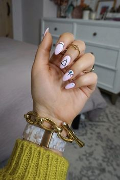 Manicure of the Month: Geometric Pink Evil Eye Nails - Living After Midnite - ImPane Minimalist Nails, Stylish Nails, Trendy Nails, Nail Art Designs, Evil Eye Nails, Hard Gel Nails, Gel Manicure Nails, Cute Gel Nails, 3d Nails