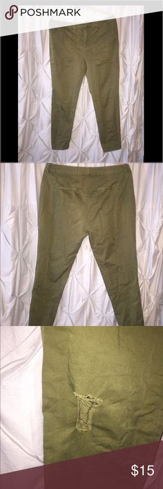 Distressed, boyfriend colored pants Army green, distressed boyfriend pant. H&M Pants Ankle & Cropped