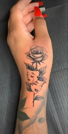 Pretty Hand Tattoos, Dainty Tattoos, Girly Tattoos, Mom Tattoos, Feminine Tattoos, Finger Tattoos, Tattoos On Hand, Tatoos, Dope Tattoos For Women