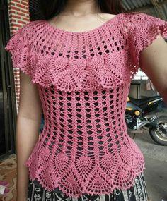 How to Crochet a Little Black Crochet Dress Col Crochet, Crochet Tunic Pattern, Crochet Woman, Crochet Cardigan, Hand Crochet, Crochet Girls, Crochet Tops, Top Pattern, Free Crochet