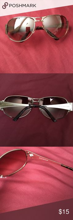 RocaWear Aviator Style Sunglasses RocaWear aviator style Sunglasses 😎🕶 great condition! 👍🏾 perfect for spring/summer! 🌞 NO case or bag included. I did not purchase with one. Rocawear Accessories Sunglasses