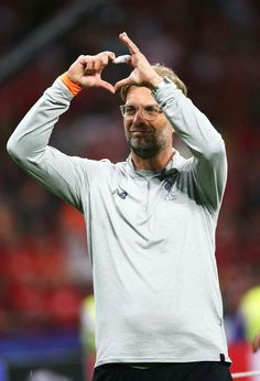 Jurgen Klopp Liverpool Anfield, Liverpool Football Club, Juergen Klopp, Love Ya, Couple Photos, Donuts, Famous People, Bbq, Soccer