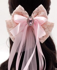 Etsy の French Lace Fabric Oversized Bow Barrette by FairybyFoxie