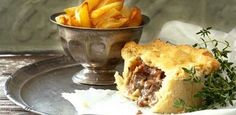 Steak, beer and bacon pie Bacon Pie, Pie Tin, Home Bakery, Other Recipes, Pie Recipes, Tray Bakes, Stir Fry, Steak, Rolls