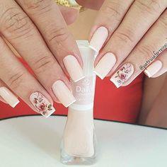 Unhas by:@nandacezana ..Marque #viciadas_nails em suas fotos!!! #esmalte #unhas #nails #naildesign #nailswag #hand #nail #nailartclub #unha #nailaddict #manicure #lovernails #polish #nailvarnish #nailart #instanails #nailporn #unhasdasemana #moda #nailpolish #nailgirls #instadeunhas #cute #linda#instagood #instalikes #instalike