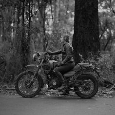 Image may contain: 1 person, motorcycle, tree and outdoor Himalayan Royal Enfield, Royal Enfield Wallpapers, Royal Enfield Accessories, Royal Enfield Bullet, Motorcycle Style, Picture Credit, Custom Motorcycles, On Set, Adventure
