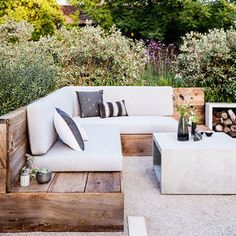 deep, wide boxy outdoor cushions- natural with Black and white influence