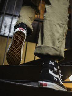 53e4afaf988 Genuine original standard curing 39-44 men s shoes! WTAPS Xishan thorough x  Vans Vault