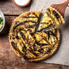 A beautiful dish for Easter and Spring: Savory Spring Vegetable & Goat Cheese Tart with Ham. Tart Recipes, Brunch Recipes, Fancy Recipes, Cheese Tarts, Goat Cheese, Roasted Shallots, Vegetable Tart, Savory Tart, Best Appetizers