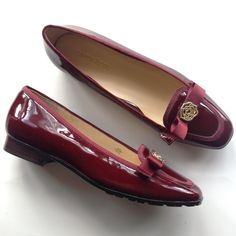 """NEW TARYN ROSE Merlot wine patent loafer shoes 9.5 Beauty, sensibility and class. These garnet red lovelies go fantastic with just about everything from white to black, denim, skirts or jeans, special occasions and parties! Heel measures about 1"""" high and insole measures 10 1/2"""" long and 3 1/4"""" wide. Patent leather upper, leather OUTSOLE with manmade nonskid traction soles. Please check my closet over the next few weeks for new high end and designer shoes and booties in all sizes! New in box…"""