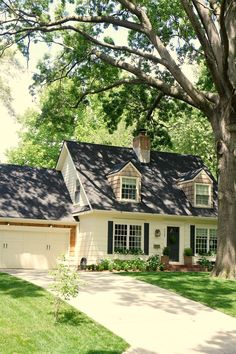 Jenny Steffens Hobick: Fall House Tour of Our Home Style At Home, Cottage Homes, Cottage Style, Future House, Up House, House Goals, Home Fashion, My Dream Home, House Colors
