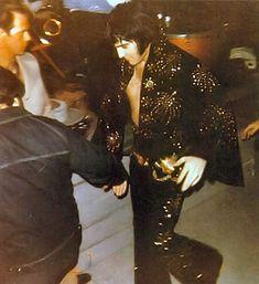 ELVIS PRESLEY PHOTO´S BLOG 3- 1970-1977: Elvis Presley Live On Stage 1971 Photo Page 1