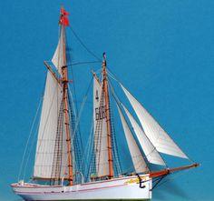 http://www.kartonbau.de/forum/lotsenschoner-elbe-4-groden-mb-modell-wbb-boards-ships-gallery/board5-schiffe/t30835-f17/