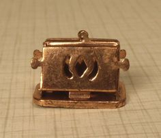 Antique Dollhouse Miniatures & Accessories - toaster