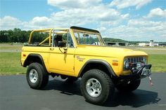 Dream-1971 Ford Bronco Truck Yellow