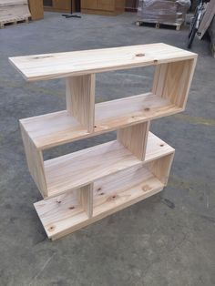If you are passionate about woodworking and are in possession of dainty . let me tell you that woodworking projects are easy to build and sell. Diy Wood Projects, Wood Crafts, Bois Diy, Into The Woods, Diy Holz, Shelf Design, Pallet Furniture, Woodworking Furniture, Furniture Storage