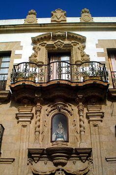 Casa de los leones.El Puerto de Santa Maria, Cádiz   Detalles del monumento