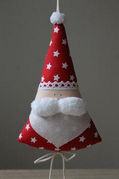 Sewn Christmas Ornaments, Farmhouse Christmas Ornaments, Christmas Wall Hangings, Fabric Ornaments, Handmade Christmas Decorations, Christmas Sewing, Christmas Crafts For Kids, Felt Christmas, Homemade Christmas