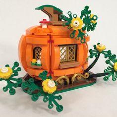 Lego Halloween, Halloween Crafts, Lego Disney, Lego Pumpkin, Lego Poster, Minecraft, Lego Craft, Lego Man, Lego Construction