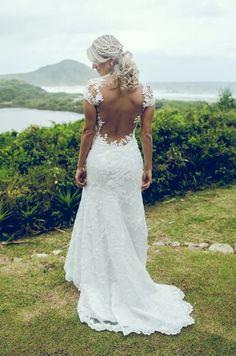 Detalhes do vestido. Casando na praia
