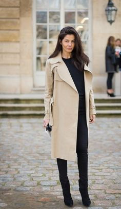 #BarbaraMartelo in the trenches in Paris.