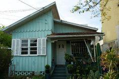 Casa antiga de madeira em bom estado no uberaba