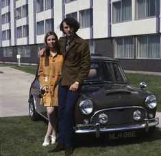 Mike Nesmith & his with Phyllis with their Mini Cooper S (1967)