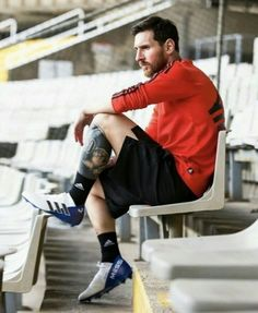 Lets be stronger. Lionel Messi, Messi 10, God Of Football, Football Soccer, Football Players, Football Moms, World Cup 2018, Latest Sports News, New York Jets