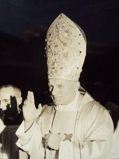 St. John Paul II, 1979. Beautiful tiara.