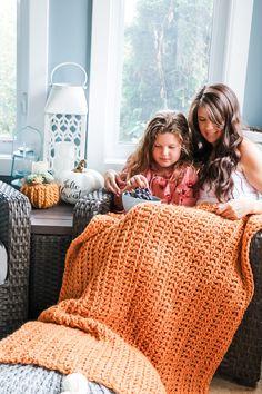 Crochet Chunky Blanket - Free Pattern - MJ's off the Hook Designs Chunky Crochet Blanket Pattern Free, Chunky Blanket, Chunky Yarn, Easy Crochet, Crochet Patterns, Crochet Afghans, Crochet Blankets, Crochet Ideas, Free Pattern