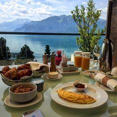 Room service Resort Spa, Table Settings, Fresh, Room, Instagram, Bedroom, Place Settings, Rum