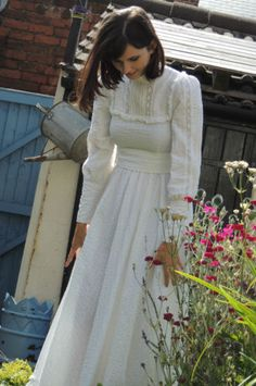 Vintage-LAURA-ASHLEY-Romantic-Victorian-Edwardian-1970s-WEDDING-Dress-Sz-8-10