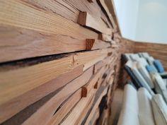 Mit liebe zum Holz, natürlichen Materialien, klaren Linien, modernes Design kombiniert mit liebevollen Accessoires.