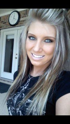 This hair.... Dirty blonde, platinum highlights INLOVE