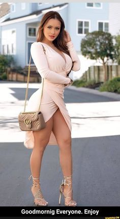 Tight Dresses, Sexy Dresses, Short Dresses, Curvy Women Fashion, Girl Fashion, Sexy Outfits, Girl Outfits, Pernas Sexy, Femmes Les Plus Sexy