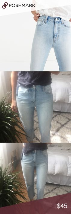Madewell perfect summer Jean Perfect condition! High rise, frayed ankle length.                                Originally purchased through Poshmark. Madewell Jeans Ankle & Cropped