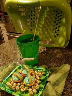 CeLeBraTe St. Patty's... set the trap for the leprechauns! This brings me back to my childhood, but we used shoeboxes!