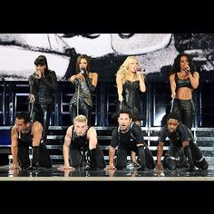 """""""The Spice Girls performing """"Holler"""" live at the Return of the Spice Girls World Tour  #SpiceGirls #VictoriaBeckham #MelanieC #MelB #EmmaBunton…"""""""