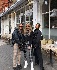 Iconic fashion on chc my style wintermode winter mode street fashion ideas of beautiful women with different styles page 95 of 101 Grunge Outfits, Mode Outfits, Grunge Fashion, Look Fashion, Edgy Chic Fashion, Street Fashion, Hipster Fashion, Urban Fashion, Winter Fashion Outfits