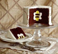 Bee cake cute