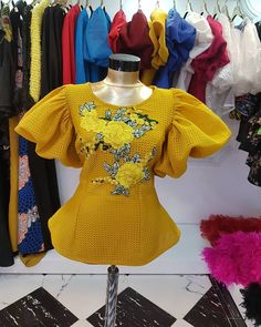Latest Ankara Styles that Are too Dapper For Men African Blouses, African Lace Dresses, African Dresses For Women, African Attire, African Wear, African Fashion Ankara, Latest African Fashion Dresses, African Print Fashion, Africa Fashion